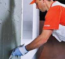 Штукатурить стены дома