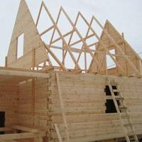 Сруб деревянного дома под усадку